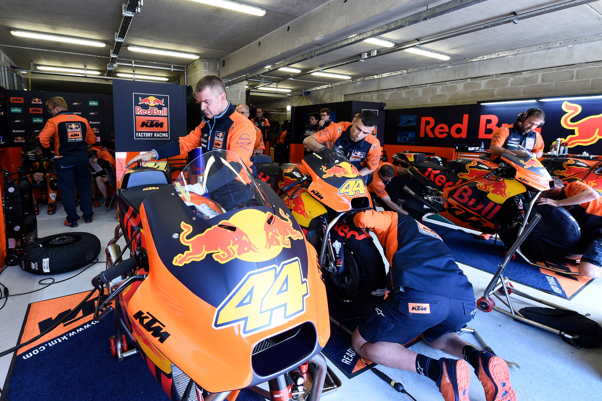 KTM VIP PACKAGE: MotoGP 2017 – RIDE KTM