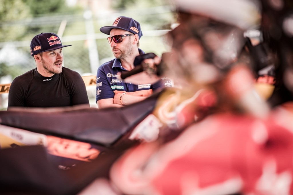 163719_Sam Sunderland _ Alex Doringer Bivouac Dakar 2017